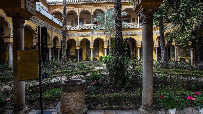 Jardines del palacio de las Dueñas. (EFE)