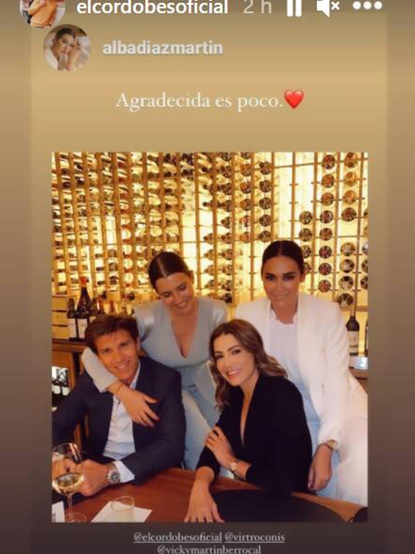 Alba Díaz junto a su familia en el día de su graduación. (IG)
