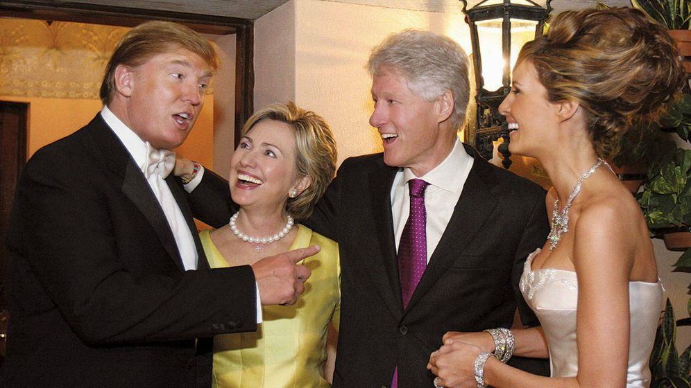 Foto: Donald Trump, Hillary y Bill Clinton y Melania Trump en Palm Beach, Florida (2005)