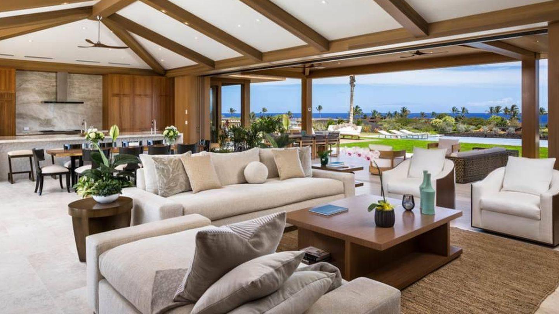 El salón es moderno, amplio y luminoso. (Kukio.com)