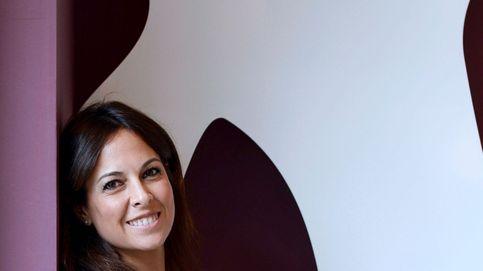 Pareja de médico y fan de las plantas: así es Mara Torres, la cara que deja 'La 2 Noticias'