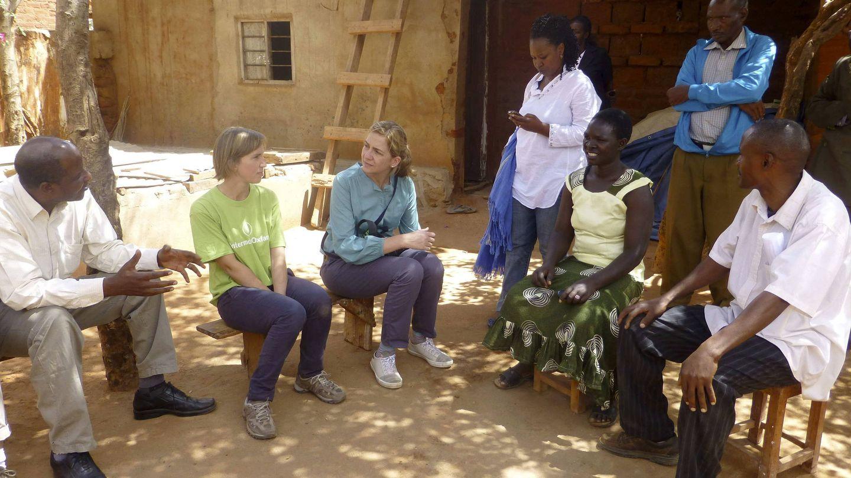 La infanta Cristina, en 2012 en Tanzania, en calidad de directora del Área Internacional de la Obra Social La Caixa. (EFE)