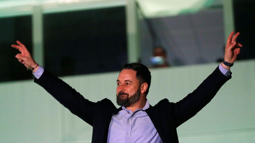 Foto: El líder de Vox, Santiago Abascal, celebrando los resultados de las elecciones del pasado domingo. (Reuters)