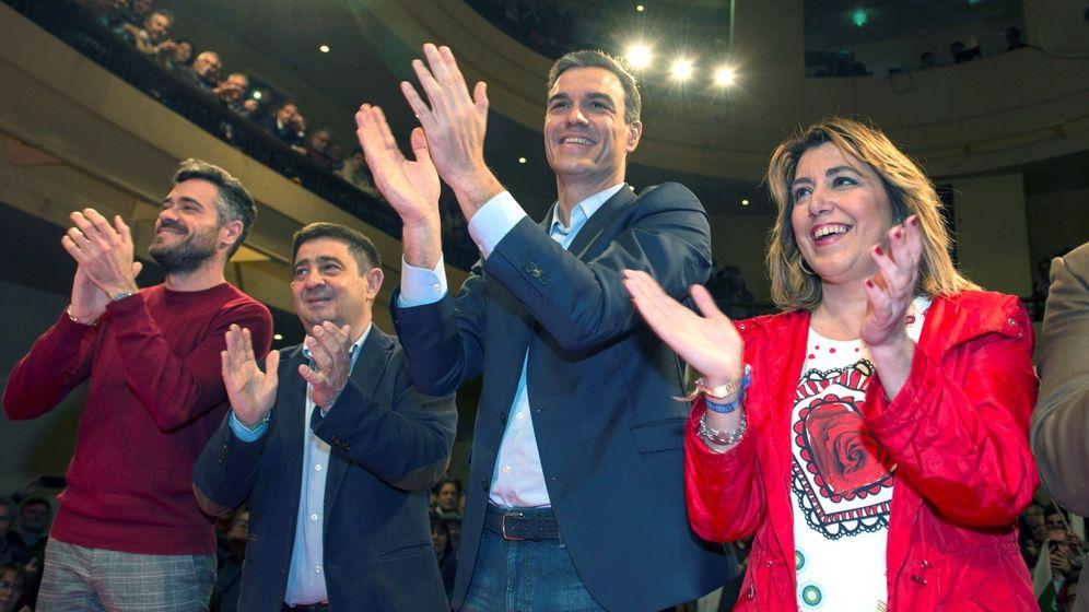 Foto: Pedro Sánchez y Susana Díaz, durante un acto del PSOE en Jaén. (EFE)