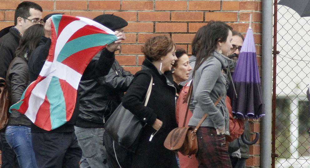 La etarra Inés del Río sale de la cárcel tras la decisión de Estrasburgo. (EFE)