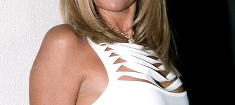 Ana Obregon Nude Photos 96