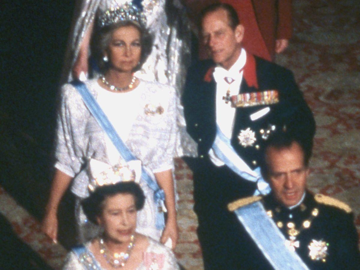 Foto: Los Reyes eméritos, con Isabel II y el duque de Edimburgo. (Getty)