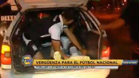 Se lesiona en un partido de liga y lo llevan al hospital en taxi con el maletero abierto