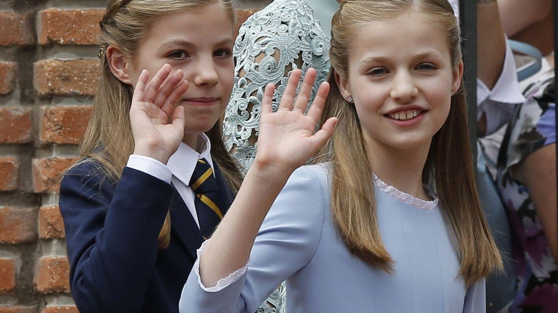 La infanta Sofía y la princesa Leonor. (EFE)