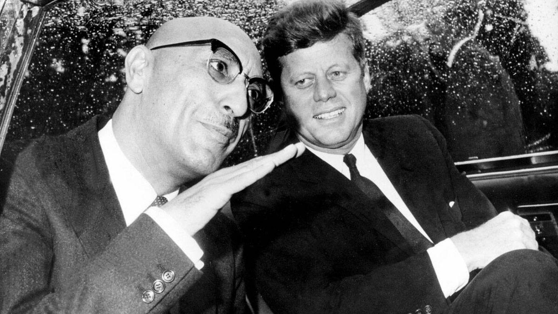 Mohammed Zahir Shah con John F. Kennedy en Washington, en 1963. (Alamy)