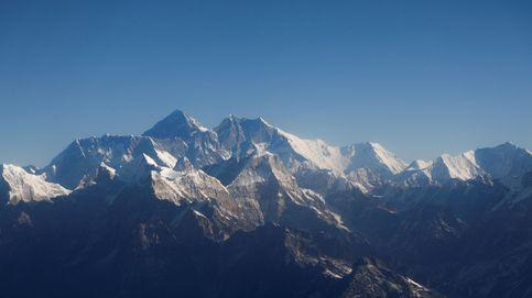 Nepal y China ponen fin a la polémica sobre la altura del Everest: la fijan en 8.848,86 metros