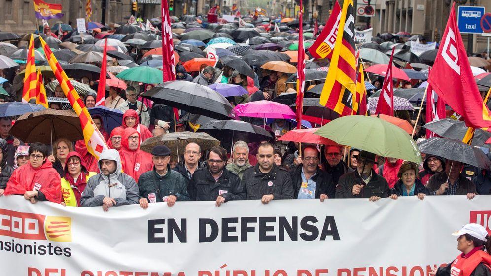 Foto: Manifestacion por las pensiones en Cataluña. (EFE)
