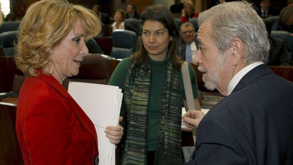 Foto: Esperanza Aguirre, con Antonio Beteta. (Foto: EFE)