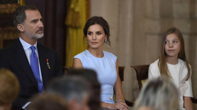 El rey Felipe, la reina Letizia y la infanta Sofía, esta semana en el Palacio Real. (Limited Pictures)