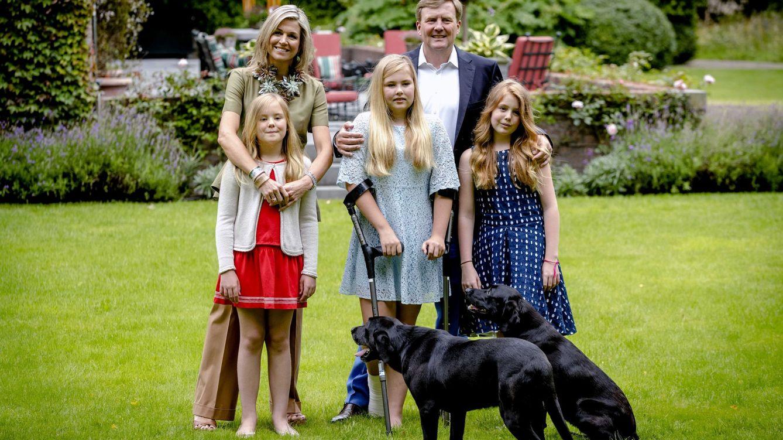 Foto: Máxima junto a su familia en su residencia de Wassenaar (EFE)