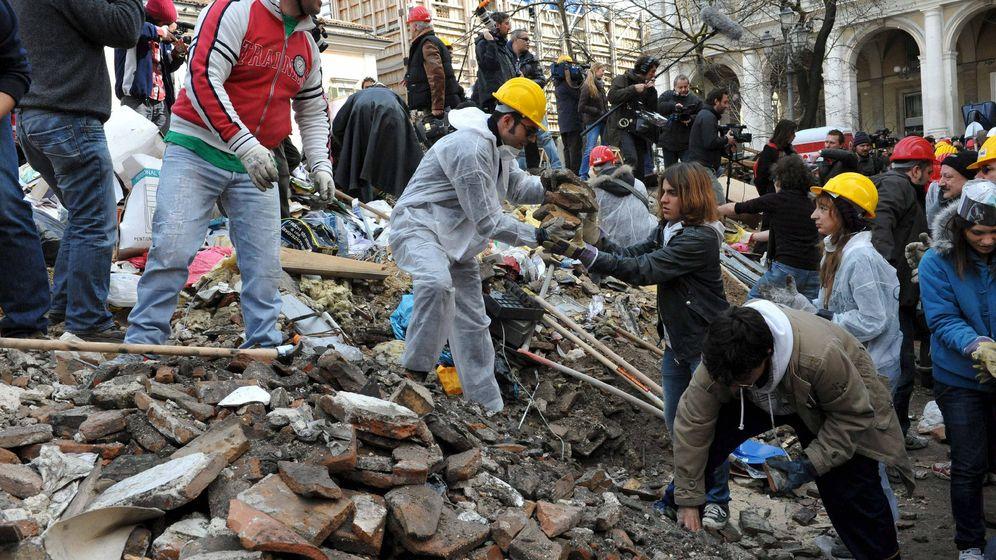 Foto: Imagen de las labores de rescate tras el terremoto de L'Aquila en 2010. (EFE)