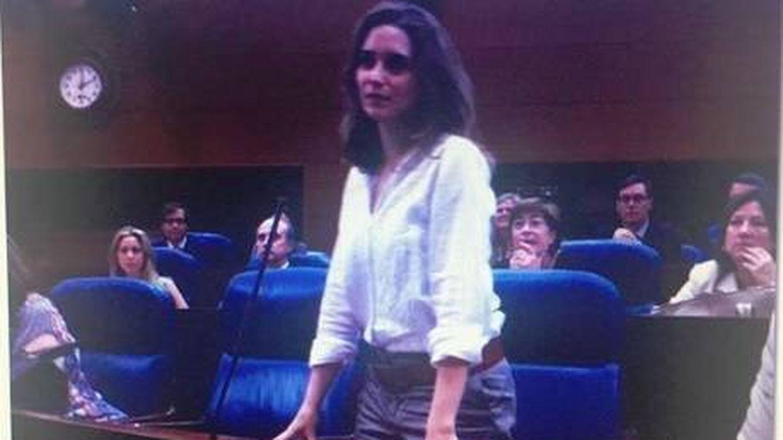 Una joven Díaz Ayuso cuando tomó posesión por primera vez como diputada en la Asamblea de Madrid