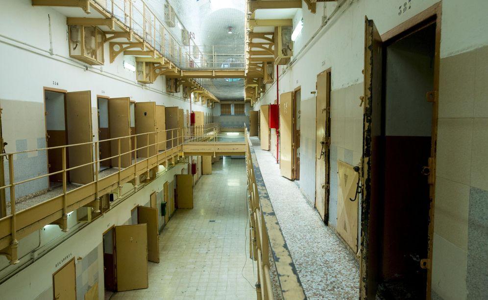 Foto: Una de las galerías de la cárcel Modelo que acaba de cerrar sus puertas. (EFE)