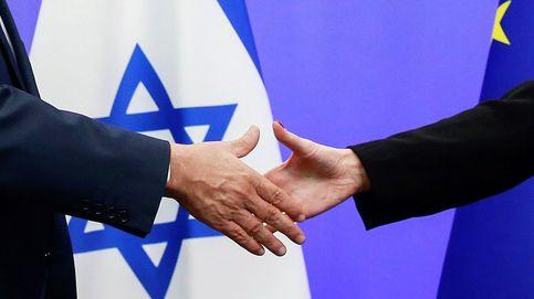Olas de 5 metros en San Sebastián y el primer ministro israelí, en Bruselas: el día en fotos