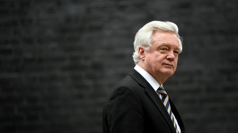 Caos en Downing Street: dimite el ministro del Brexit y May nombra a un euroescéptico