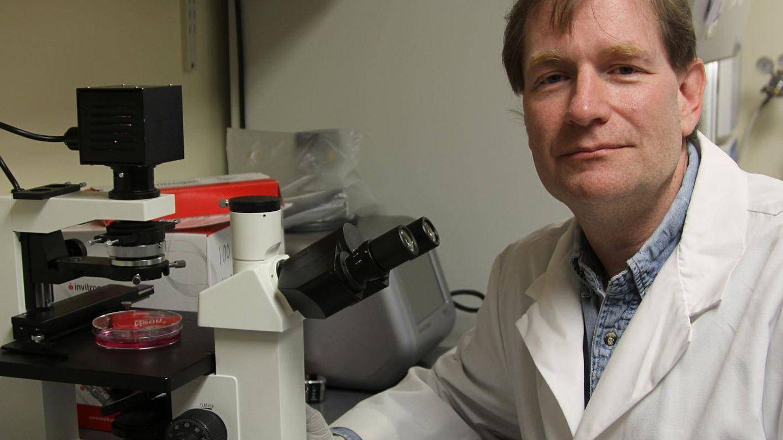 El investigador Adrian Gombart. (University of Oregon)