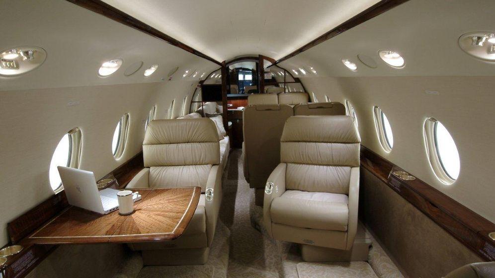 Foto: Interior de un bimotor ejecutivo Gulfstream G200. (vanallen.com)