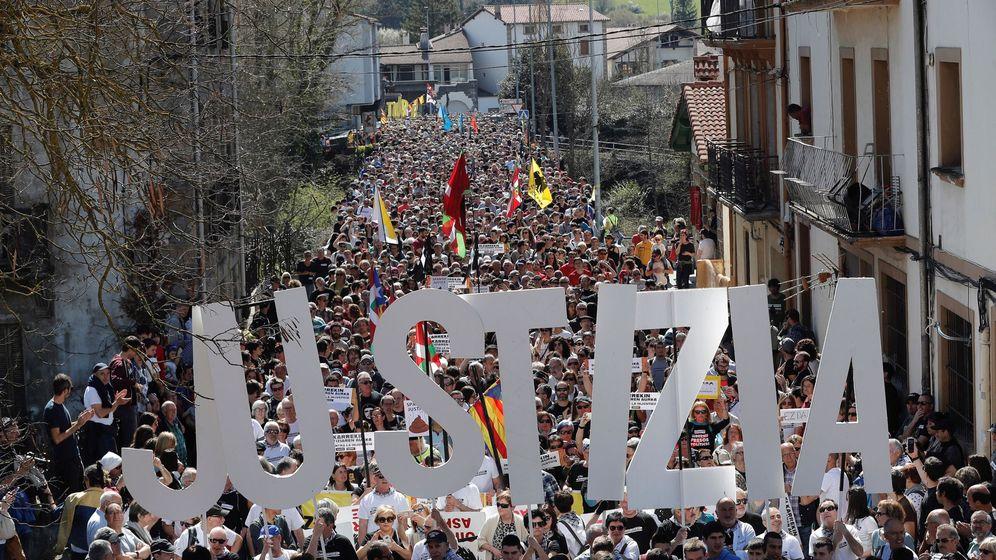 Foto: Instituciones piden justicia y proporcionalidad ante los sucesos de Alsasua.