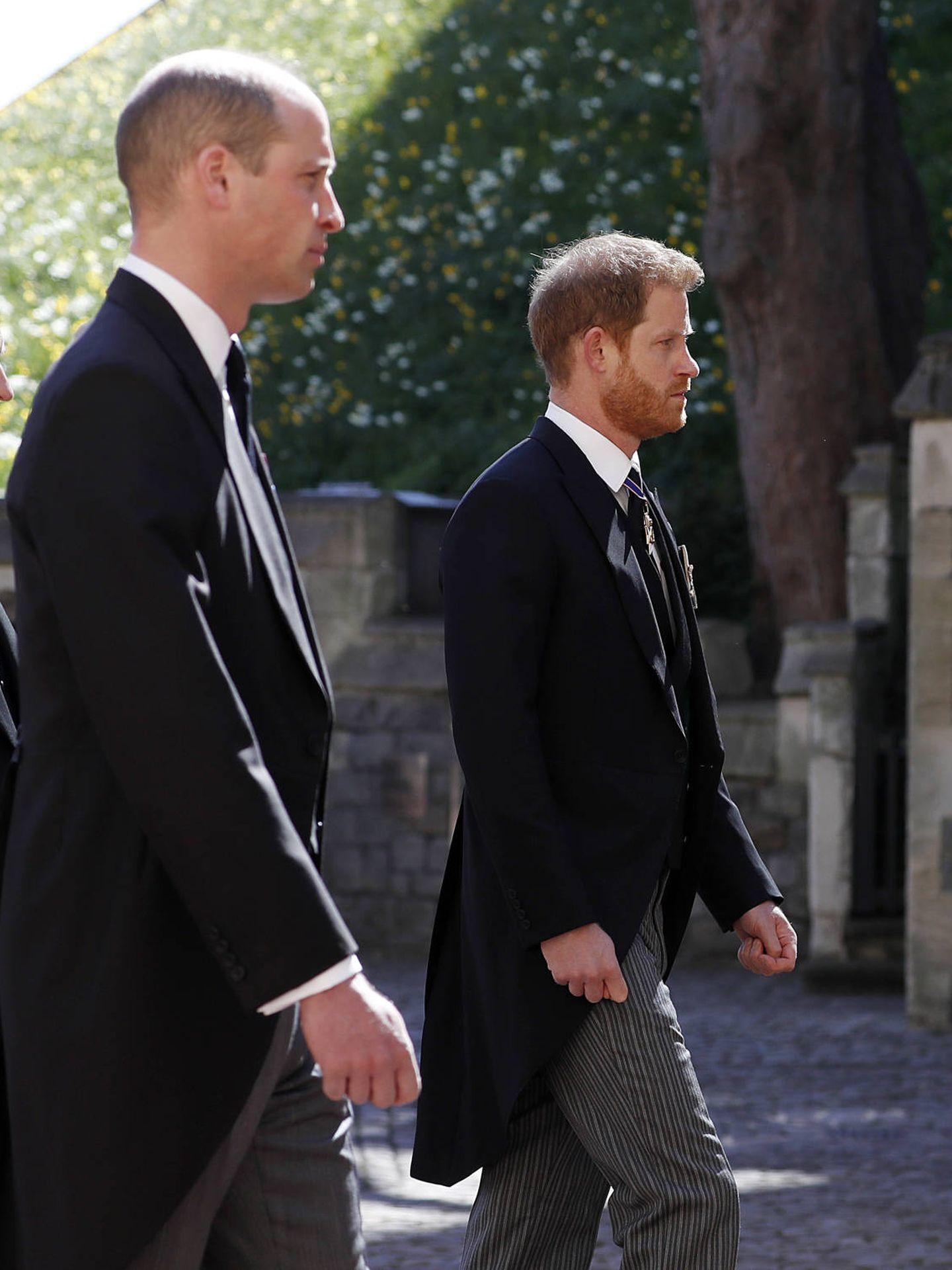 El príncipe Harry, junto a su hermano en el funeral de su abuelo. (Getty)