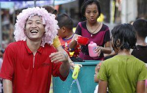 Los doce mandamientos de la dictadura tailandesa para ser feliz