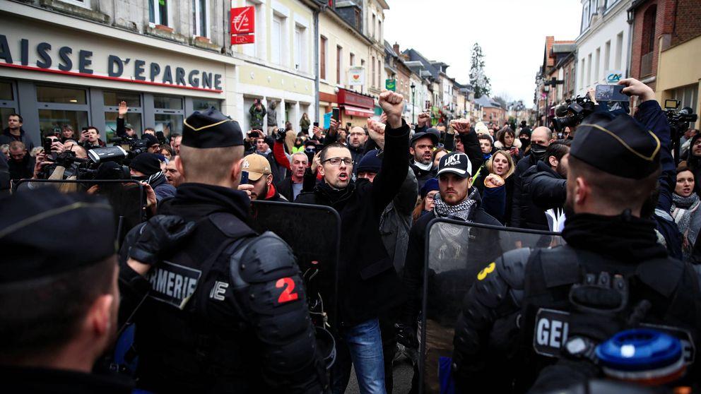 La crisis de Francia en un acto: blindaje a Macron en un pueblo de 3.500 personas