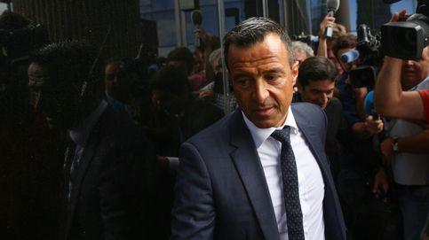La juez imputa también al sobrino y mano derecha de Mendes por el fraude