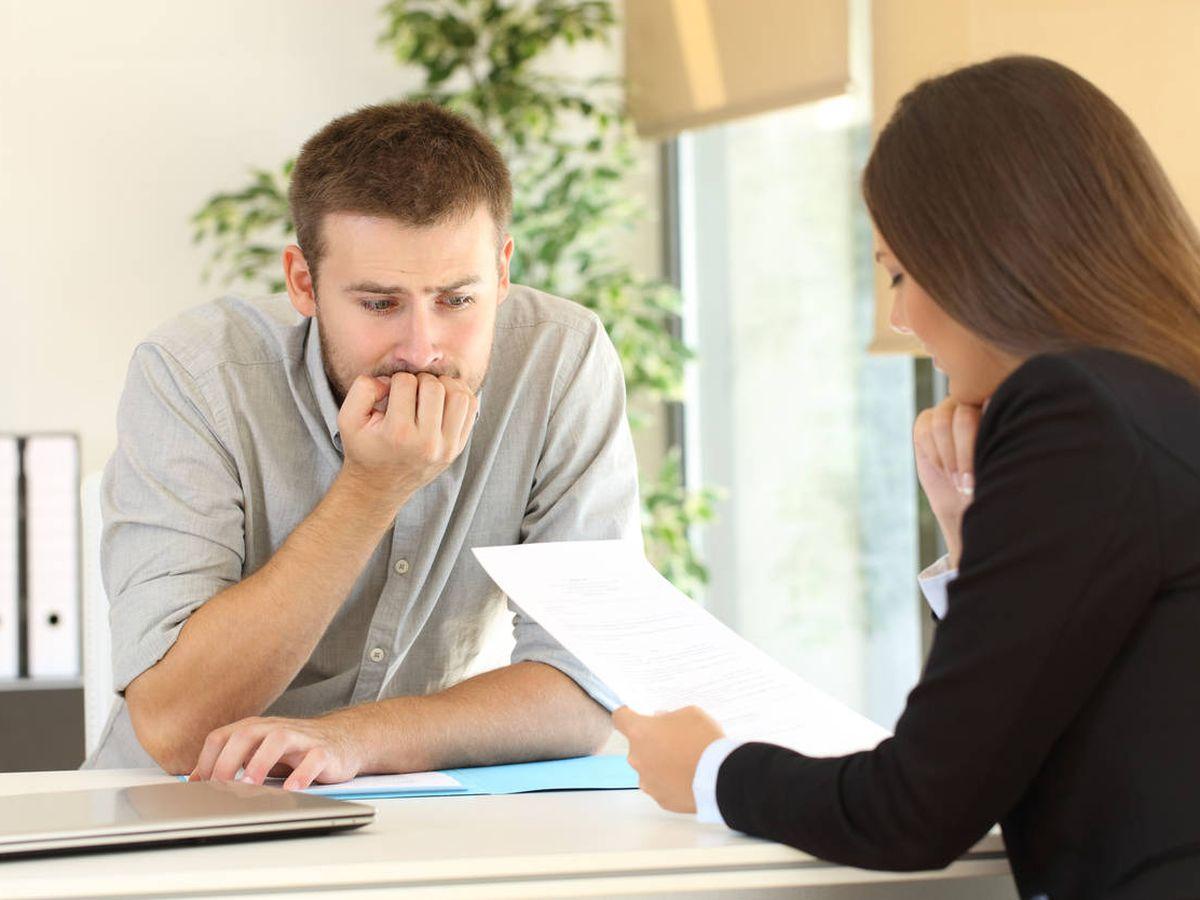 Foto: El entrevistador ya conoce el Currículum. Descubre qué quiere averiguar. iStock