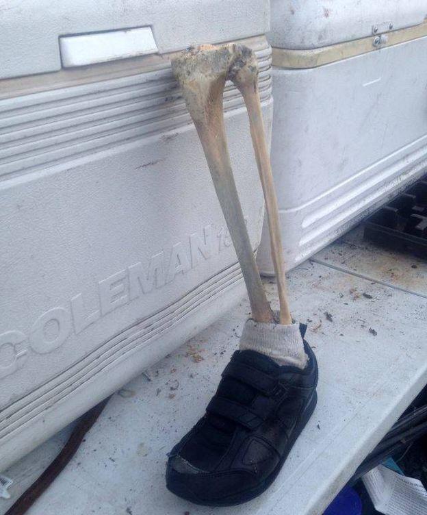 Foto: Los restos del pie encontrados en la costa de British Columbia (Mike Johns)