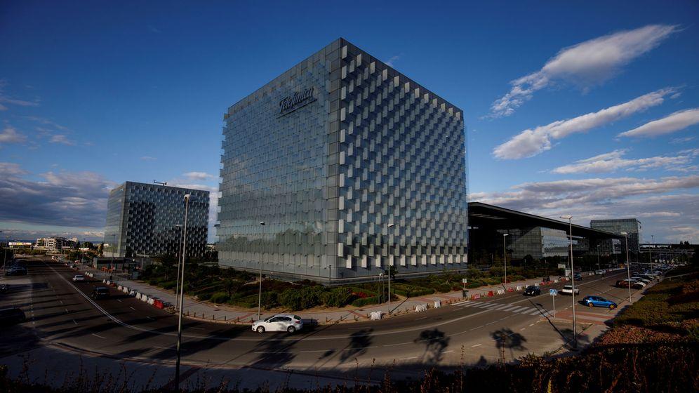 Foto: Vista de la sede de Telefónica en Madrid. (Reuters)