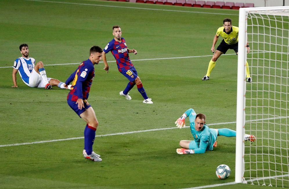 Foto: Moento del FC Barcelona - Espanyol (Efe)