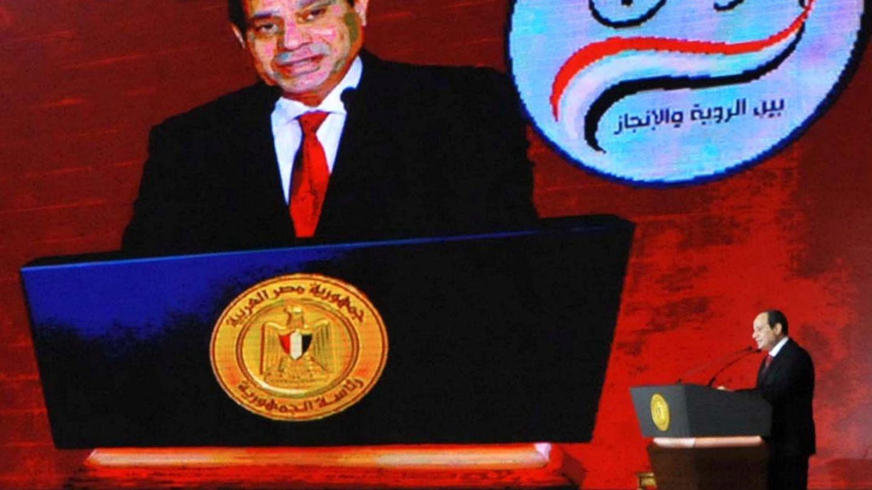 El presidente Abdel Fatah el Sisi anuncia su intención de presentarse a un nuevo mandato durante una conferencia, el pasado 19 de enero en El Cairo. (Reuters)