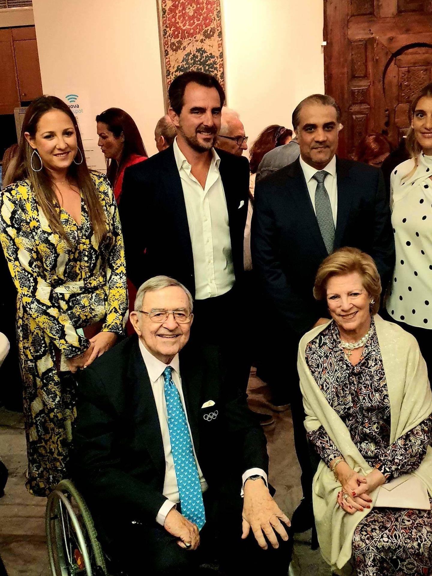 Constantino y Ana María de Grecia, junto a Nicolás y Teodora. (Twitter: @AndreasMegos)