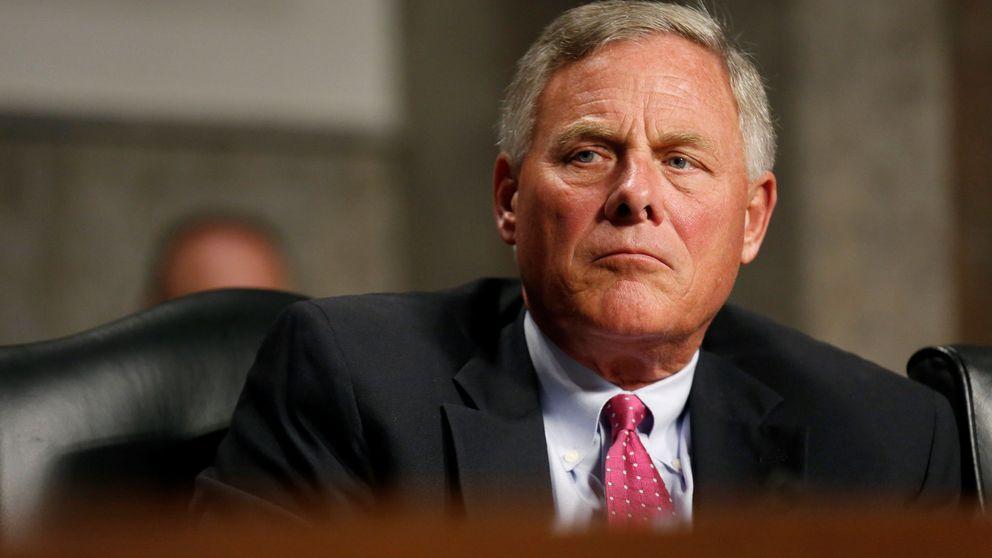 Un senador de Trump dio información secreta sobre el Covid-19 a empresarios