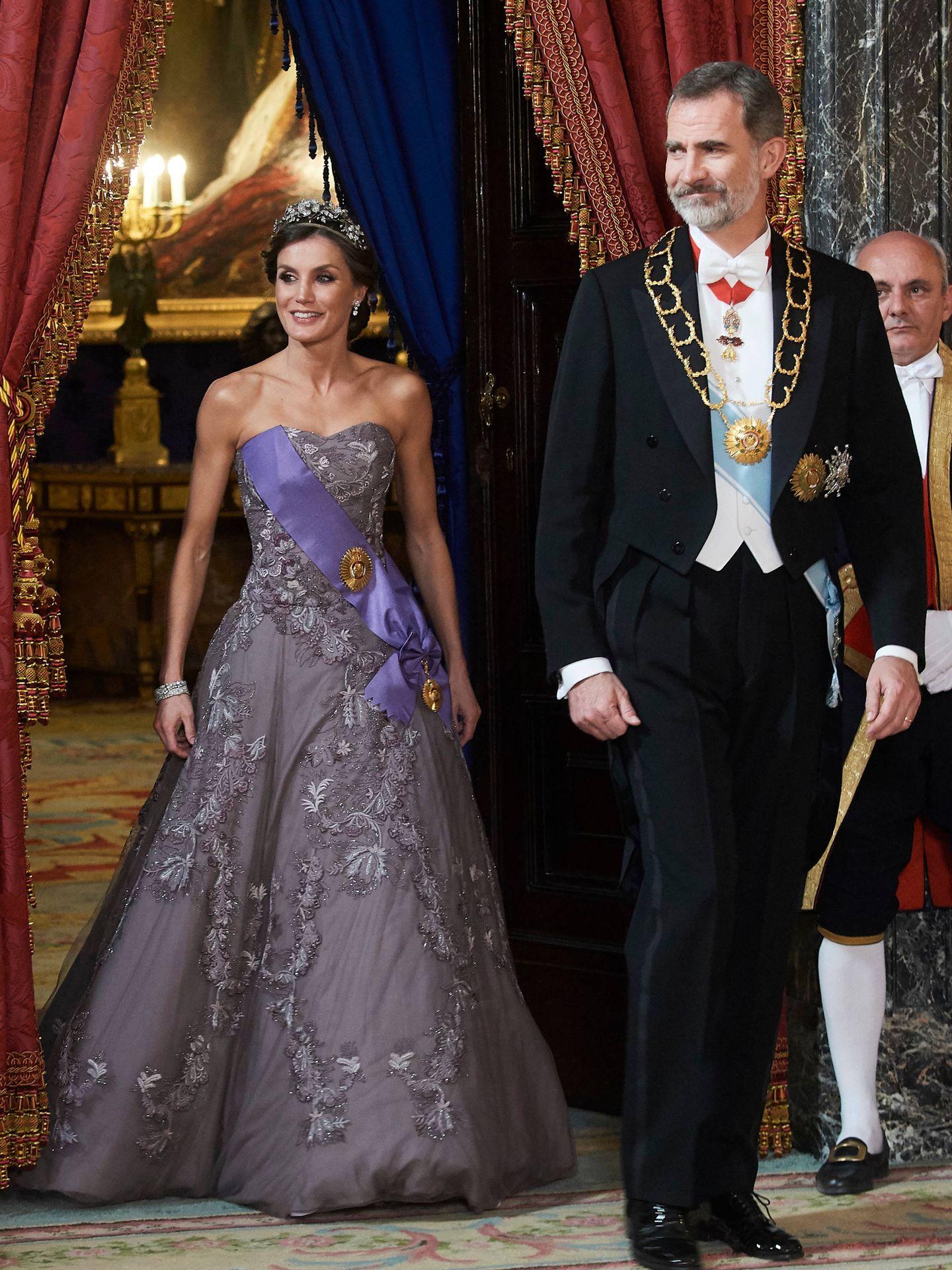 Los Reyes presiden la cena de gala en honor al presidente de Perú y su esposa. (Limited Pictures)