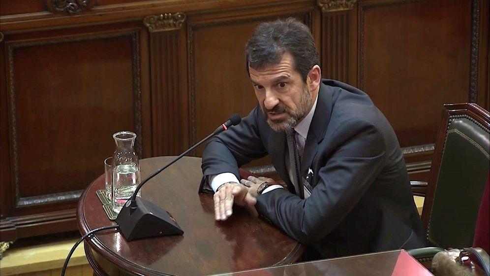Foto: El comisario de los Mossos d'Esquadra Ferran López, durante su comparecencia en una nueva sesión del juicio. (EFE)