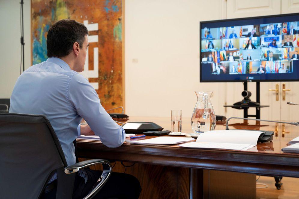 Foto: Pedro Sánchez, durante la reunión con los presidentes autonómicos, este 12 de abril en la Moncloa. (EFE)