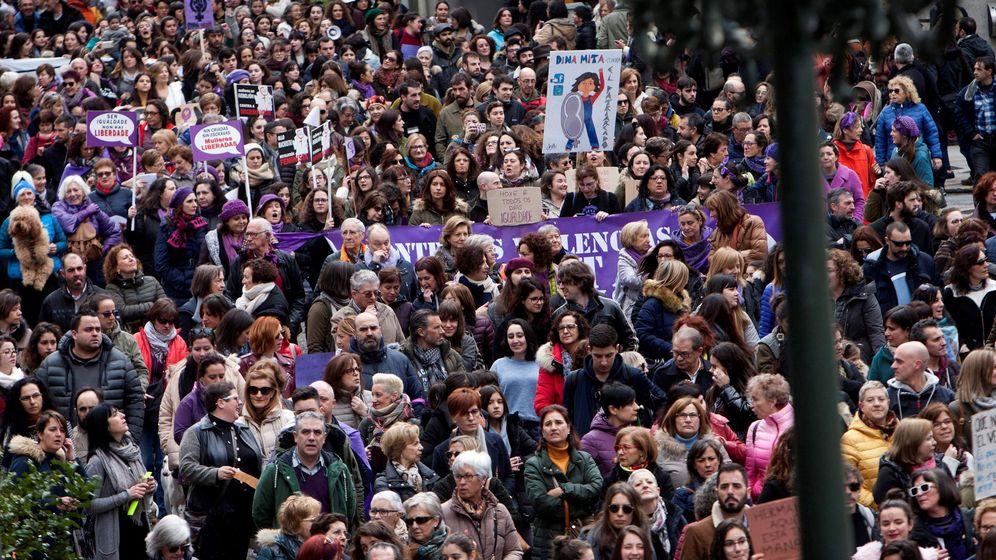 Foto: Marcha convocada por Asemblea Galegas 8M. (EFE)