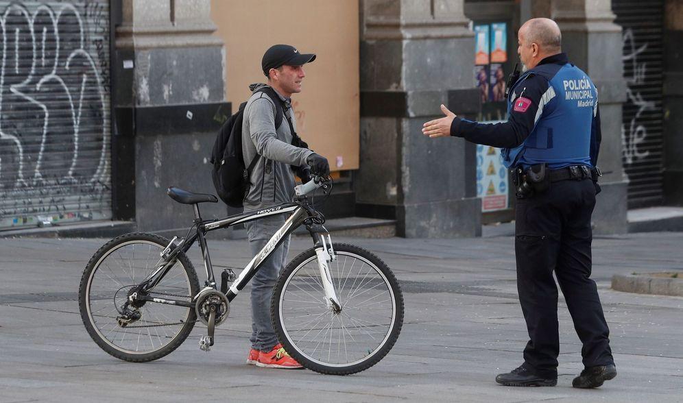 Foto: Las multas por usar la bici o por correr en el estado de alarma obligan a buscar otros métodos. (EFE)