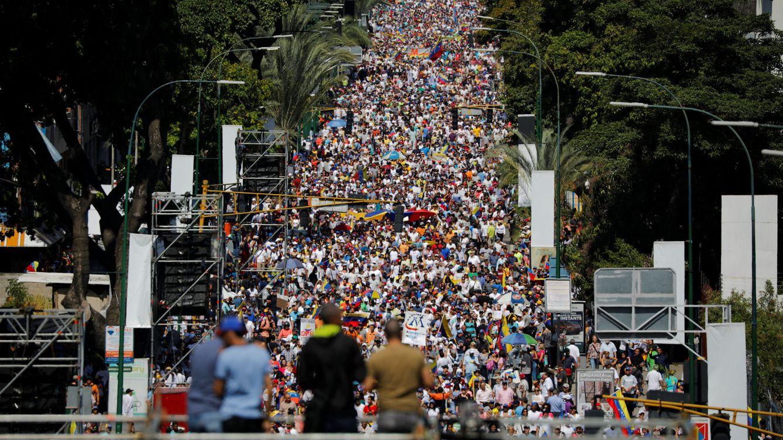 Foto: Partidarios de la oposición copan el centro de Caracas. (Reuters)