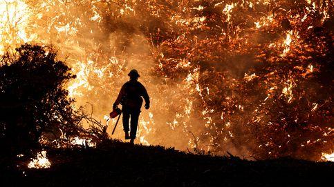 Un fuego en California amenaza 17.000 viviendas pese a la mejora del clima