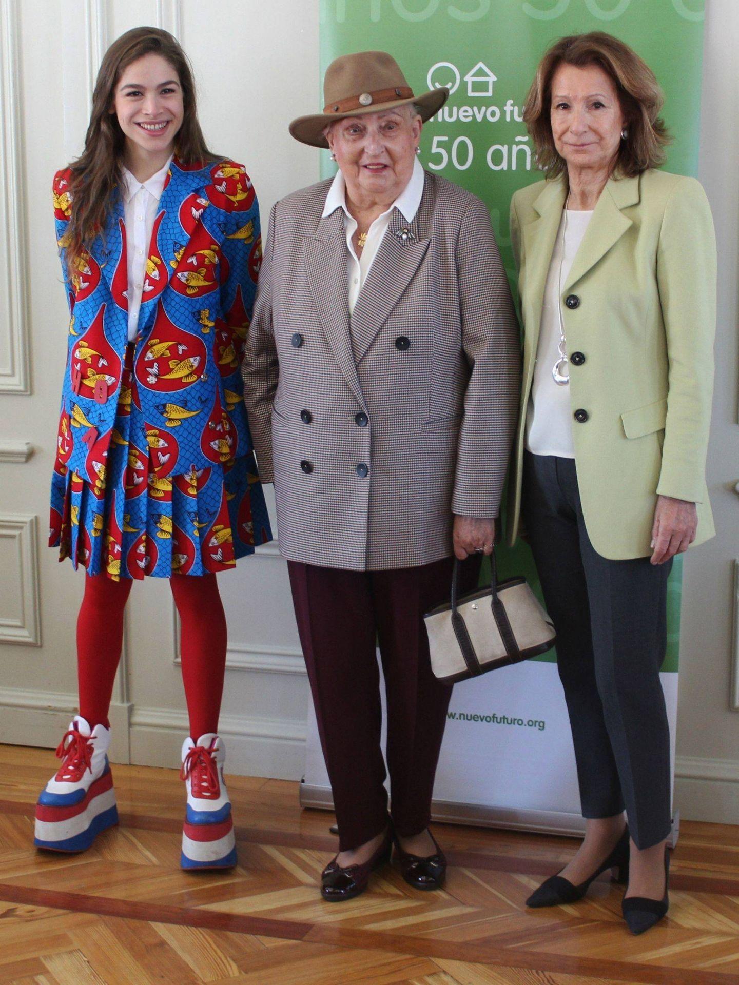 Cósima Ramírez, doña Pilar de Borbón y Pina Sánchez. (EFE)