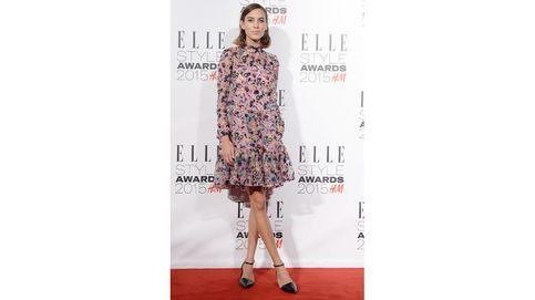 ¿El vestido preferido de Julianne Moore y Alexa Chung? Cortito y con cuello alto