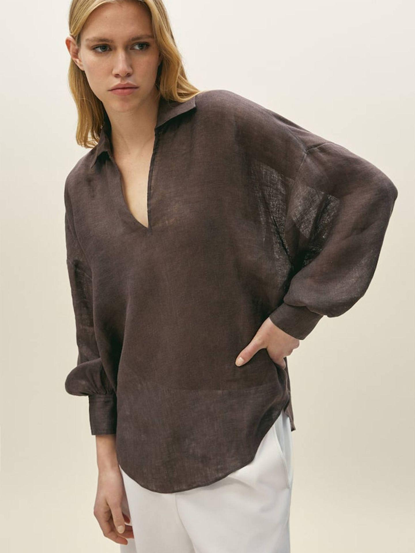 Blusa de Massimo Dutti. (Cortesía)