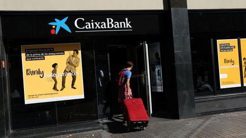 CaixaBank supera los tipos negativos: vender más seguros y menos hipotecas