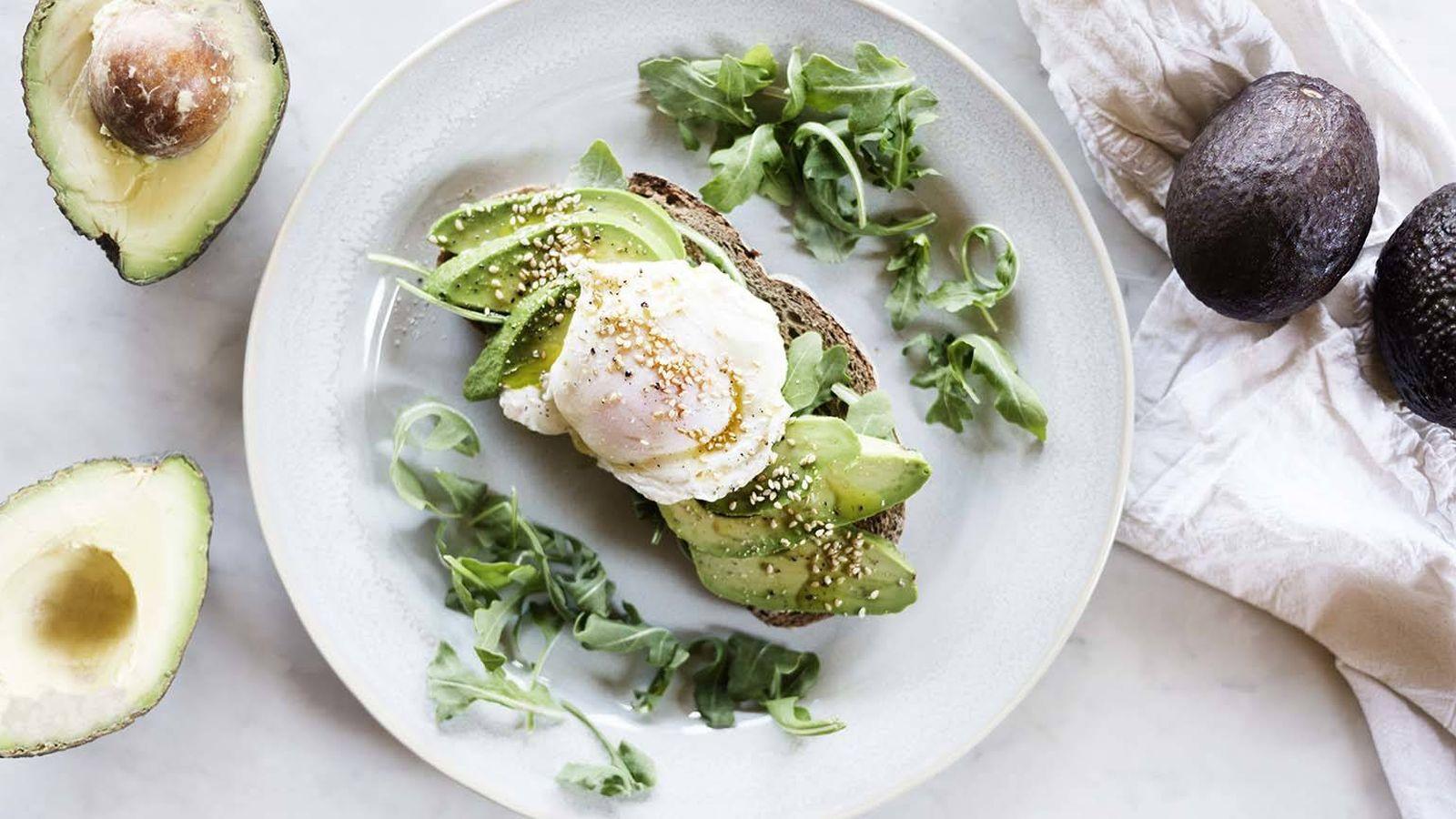 Foto: Tosta de aguacate y huevo escalfado, una receta ideal para el brunch perfecto. (Foto: Snaps Fotografía)